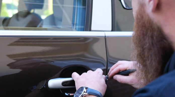 Otwieranie samochodu